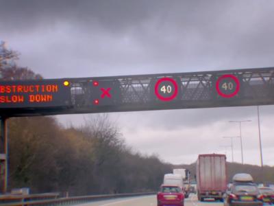 Обращайте внимание на красные «крестики» в Великобритании. За их игнорирование все водители будут оштрафованы