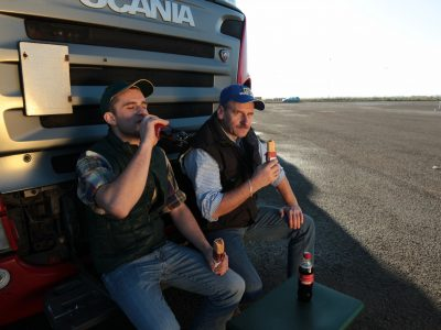 В Европе не хватает свободных грузовиков, потому что… православные водители поехали на праздники домой