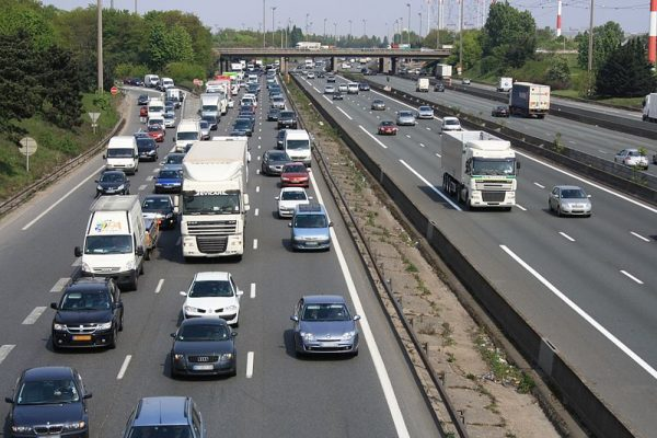 Franța mărește valoarea salariului minim pentru șoferii profesioniști din această lună