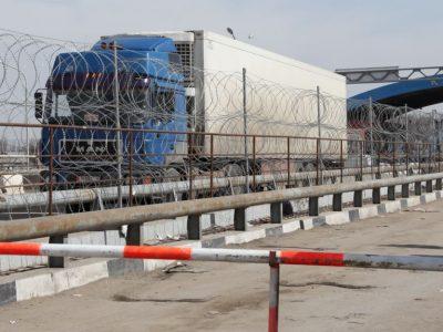 """Решение проблем """"серого импорта"""" из Китая в Казахстан есть. Но пока что легальный бизнес сам по себе"""