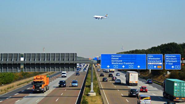 Rückkehr von LKWs und Kabotage-Grundsätze vom Mobilitätspaket werden die jährliche CO2-Emissionen um