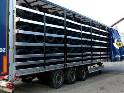 Transportas ir logistika automobilių pramonėje. Kaip transportuojamos ir saugomos dalys automobilių gamybai? (2/3)