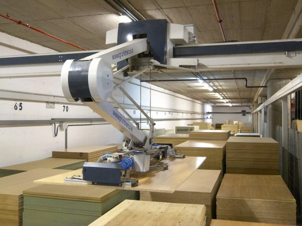 Robotic automation: an alternative to traditional automation in the warehouse