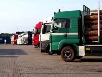 W polskim transporcie prym wiodą przewoźnicy samochodowi. Kolejny rok ze wzrostem przewozów