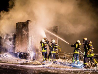 Sfaturi utile pentru șoferii de camion în caz de incendiu