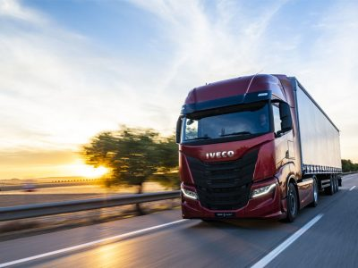 Erdvus, aerodinaminis, tolimajam transportui skirtas naujasis Iveco S-Way
