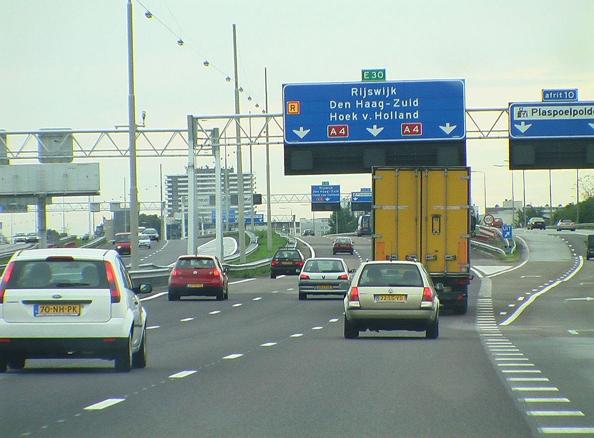 Dutch road traffic inspectors can issue a fine to truck drivers