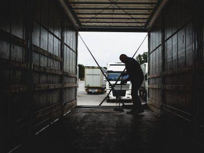 Tolimųjų reisų vairuotojų algų klausimas ir vėl atidėtas