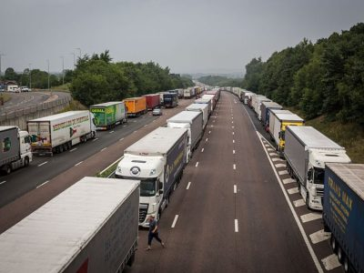 Care sunt consecințele legale ale neîndeplinirii unui contract de transport?