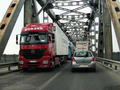 Creștere a timpilor de așteptare la plata taxei de pod Giurgiu-Ruse