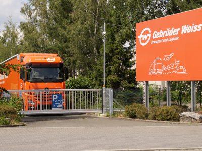 Gebrüder Weiss setzt sich in Kooperation mit Bosch Secure Truck Parking für mehr sichere LKW-Parkplätze ein