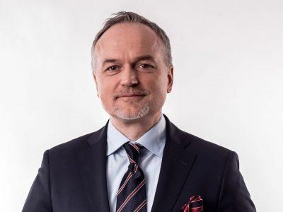 Pytamy prezesa PKP Cargo o ładunki z Chin, które omijają Polskę, o problemy z przepustowością w Małaszewiczach i prędkość pociągów towarowych. Oto, co odpowiedział [TYLKO U NAS]