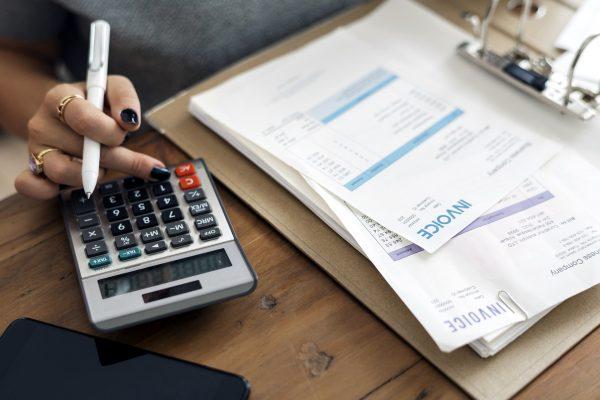 Zobacz, jak odzyskać VAT z niezapłaconej faktury. Kiedy przewoźnik może skorzystać z ulgi na złe dłu