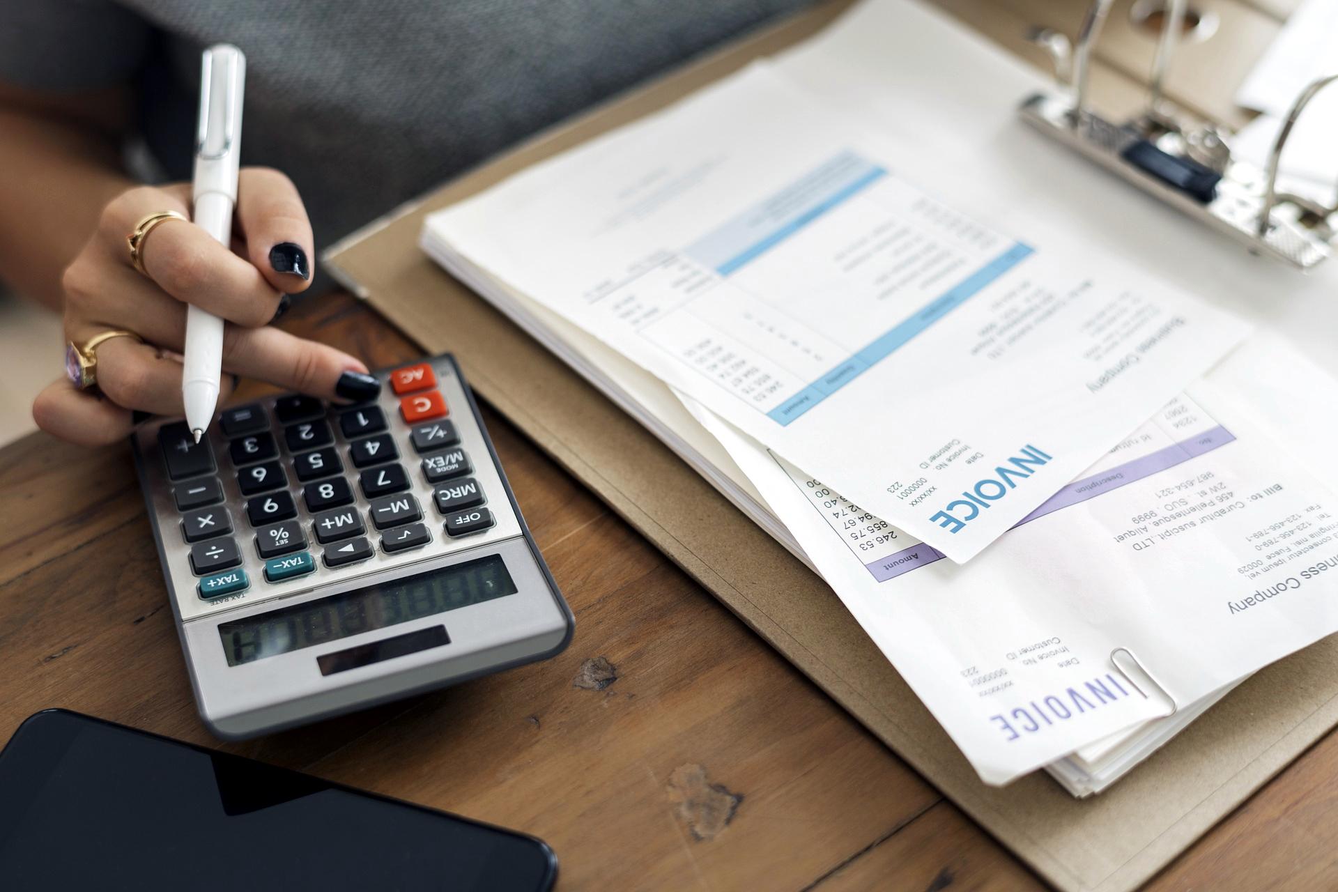 Zobacz, jak odzyskać VAT z niezapłaconej faktury. Kiedy przewoźnik może skorzystać z ulgi na złe długi?