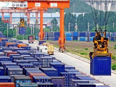 Число грузовых поездов между Центральным Китаем и Европой увеличилось почти в два раза