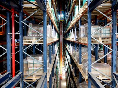 Quick-change systems speed up the work in the Dachser warehouse. Logistics 4.0 in practice.