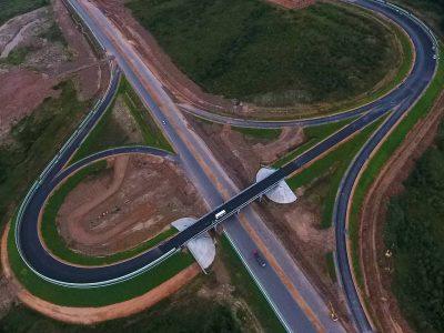 Россия рассматривает возможность строительства сети высокоскоростных магистралей