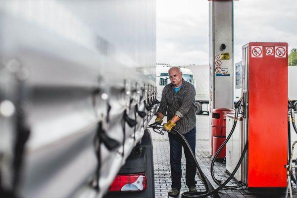 Из-за забастовки водителей в Португалии можно приобрести только 100 литров топлива на грузовик