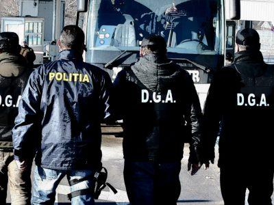 Percheziții la Registrul Auto Român și Ministerul de Interne. Angajați acuzați că falsificau datele pentru înmatricularea vehiculelor