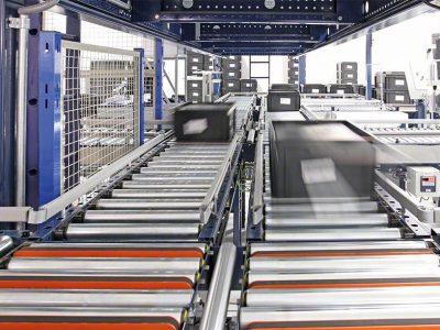 Логистика 4.0 на практике. Контейнерный кранов-штабелер подходит для складов с широким ассортиментом продукции