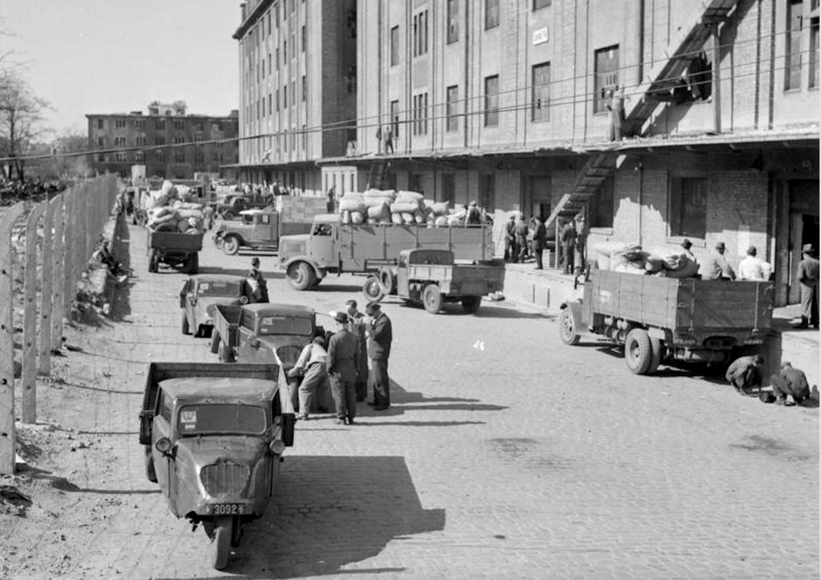 Historia transportu – odc. 84. Dlaczego w latach 50. politycy popierali urzędowe taryfy za przewozy?