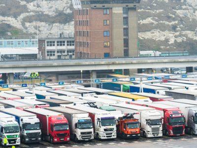 Comisia Europeană le recomandă transportatorilor să se pregătească pentru un scenariu de Brexit fără acord