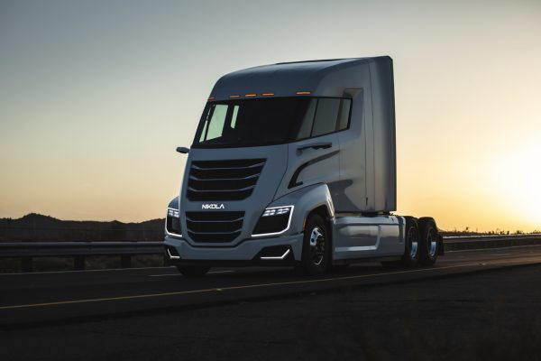 Az ismert beruházó létrehozott egy kibocsájtásmentes teherautót. Most akár 20 évet is börtönben tölt