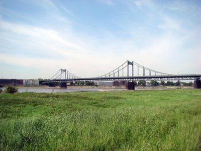 Most nad Renem zamknięty dla ciężarówek