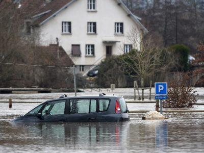 Franța: Drumuri blocate din cauza inundațiilor