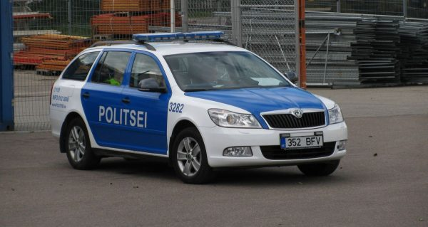 Niecodzienna taktyka estońskiej policji. Piraci drogowi stracą nie pieniądze, lecz coś o wiele bardz