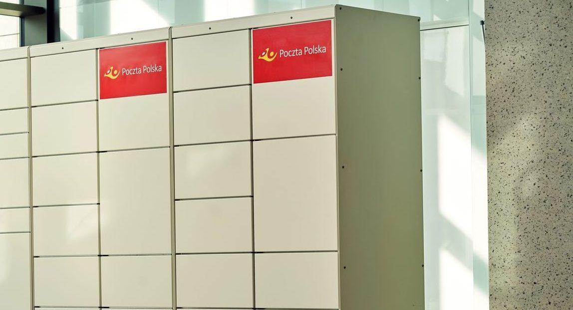 Zaglądasz do automatu paczkowego Poczty Polskiej a tam… awizo. To nie jest żart