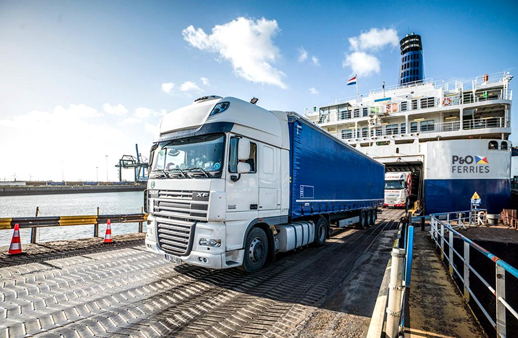 Chaos na granicach po Brexicie zmusi przewoźników do rezygnacji z tras na Wyspy? Taki ruch rozważa Girteka