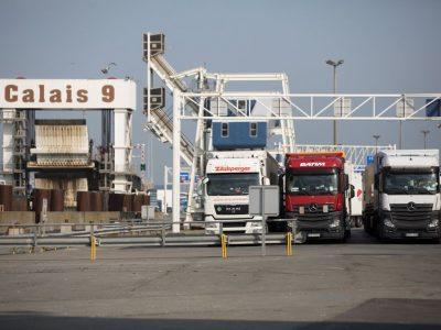 Noi proceduri vamale pentru camioane la Calais și Dunkirk