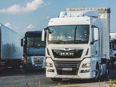 10-километровая очередь из грузовиков на границе Украины и Словакии