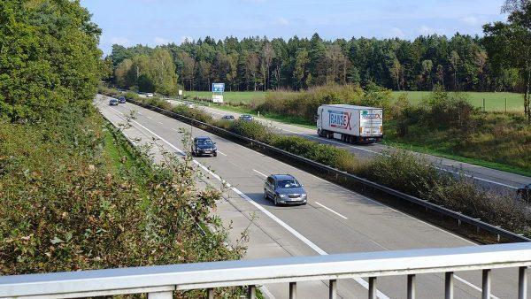 Saksonia-Anhalt znosi zakazy ruchu trucków | Brytyjczycy rozluźniają czas pracy kierowców | Węgry ot