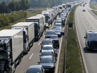 Premierii țărilor est-europene lansează un apel comun către Uniunea Europeană privind Pachetul de Mobilitate