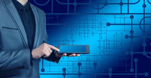 Cyfrowa platforma operatora logistycznego rozszerza ofertę. Czy warto stosować tego typu rozwiązania