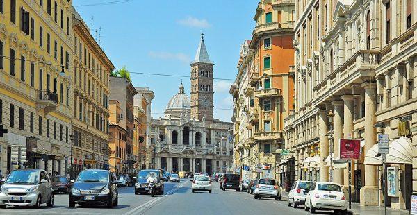 Ograniczenia dla diesli w Rzymie. Zobacz, jakie pojazdy wkrótce nie wjadą do miasta