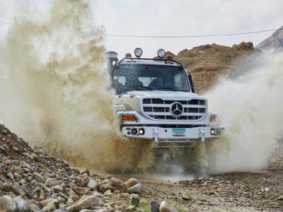 Der robuste Gelände-LKW: Neuer Mercedes-Benz Zetros