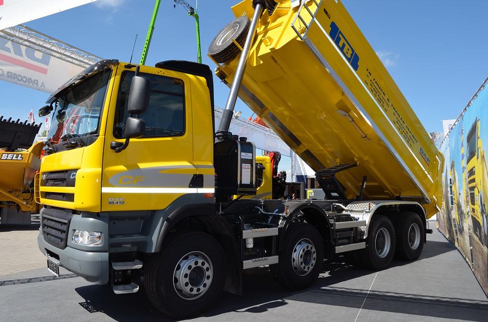 Transport i logistyka ładunków sypkich. Zobacz, jaki tabor nadaje się do tego najlepiej