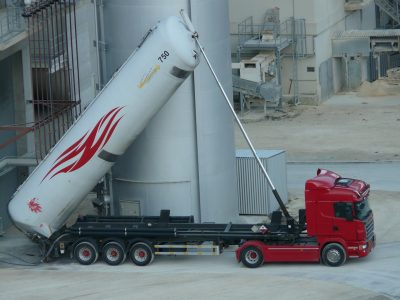 Transport and logistics of bulk cargo. See what vehicles are the best for this purpose.