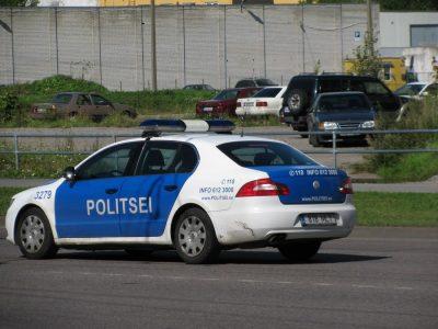 Необычная тактика эстонской полиции. Дорожные пираты потеряют не деньги, а кое-что гораздо более ценное.
