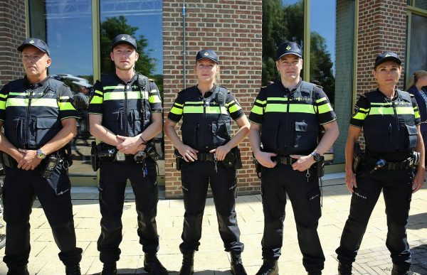 Holenderska policja używa do kontroli drogowych inteligentnych kamer. Sprawdź, do czego służą