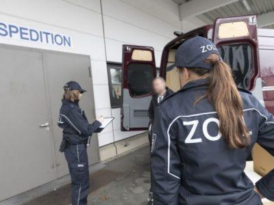 Agenții de control germani au identificat mai mulți ucraineni angajați ilegal de un transportator local