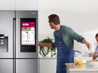 Zamówienie produktów spożywczych przy użyciu… lodówki. Kto może liczyć na dostawę tego samego dnia?