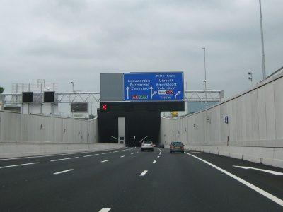 Niederlande: Neue Pflichten für Frachtführer, die Mitarbeiter entsenden