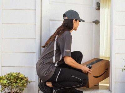 Az Amazon a küldeményeinek felét az USA-ban már maga kézbesíti. Hamarosan lekörözi a nagy a futáróriásokat.