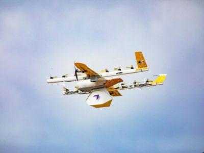 Ten startup pokonał Amazona i jako pierwszy uzyskał zgodę na transport ładunku dronem