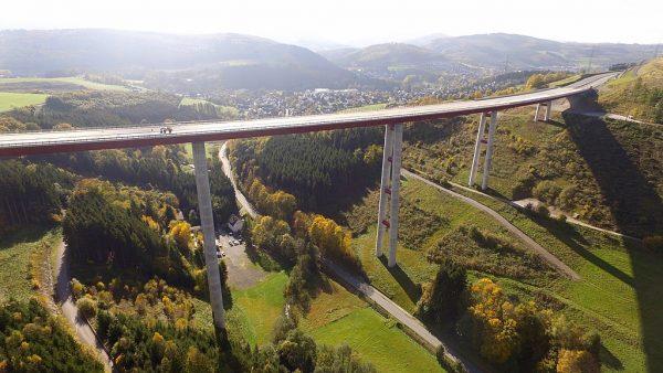 Vokietijoje atidaryti nauji greitkelių ruožai ir 115 metrų viadukas
