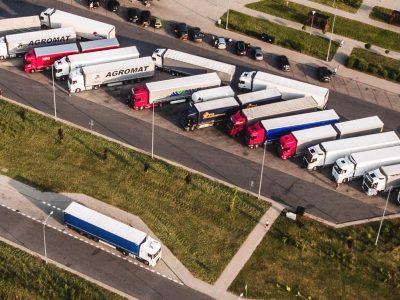 """""""Lietuviškam sunkvežimiui prireiks savaitės grįžti į bazę"""". Lietuvos ir Lenkijos balsas dėl """"Mobilumo paketo"""""""